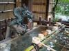 Япония. Токио. У входа в синтоистский храм