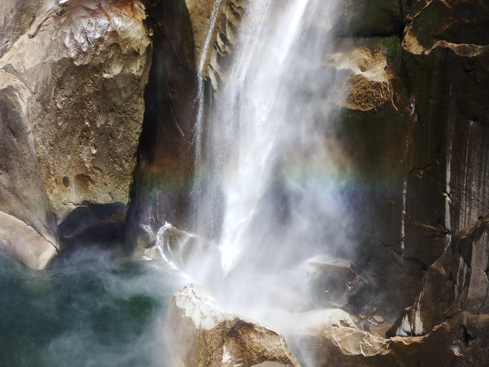 США, Виды Yosemite, водопад Virnal Fall