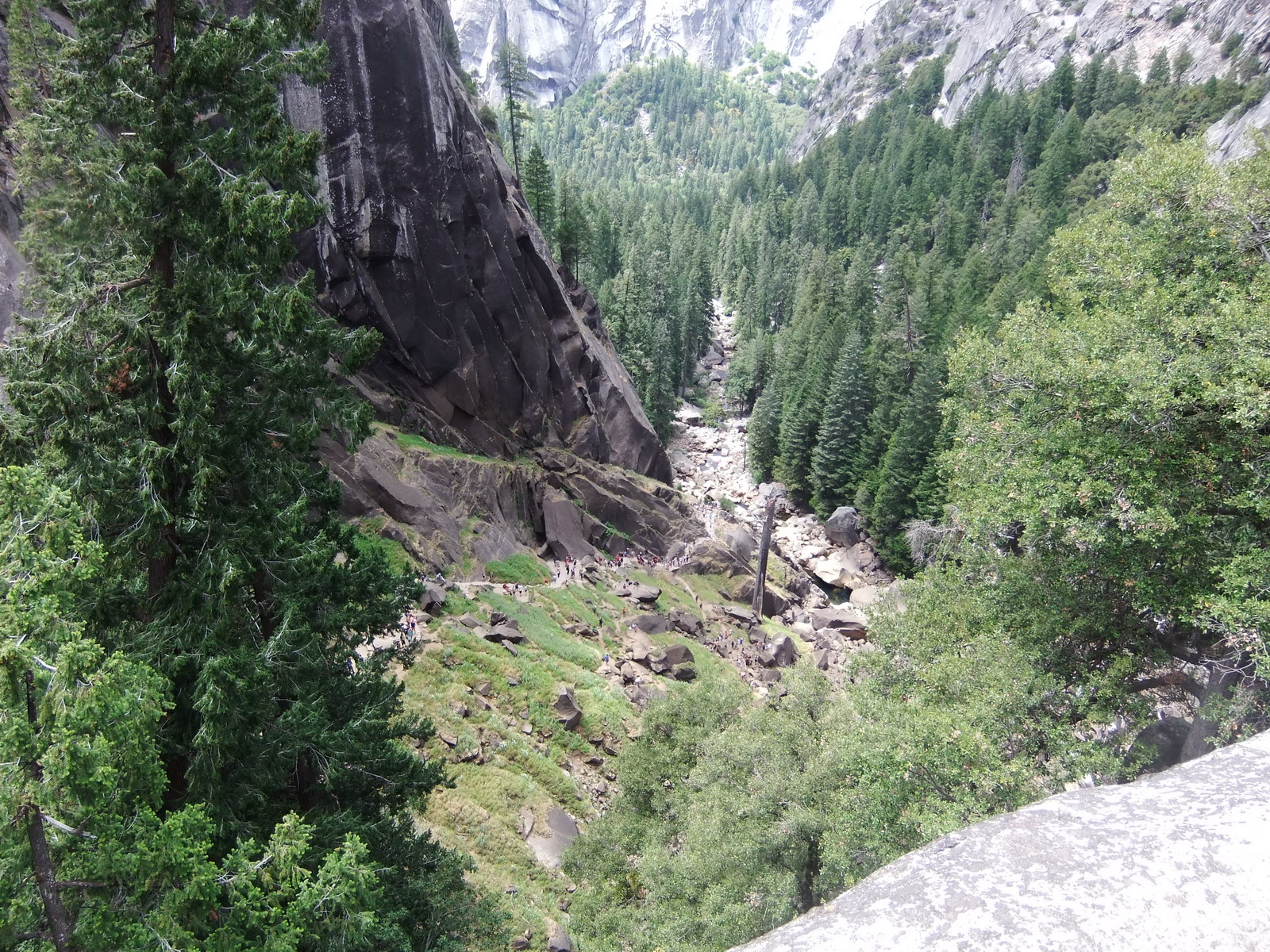 США, Виды Yosemite, над водопадом Virnal Fall