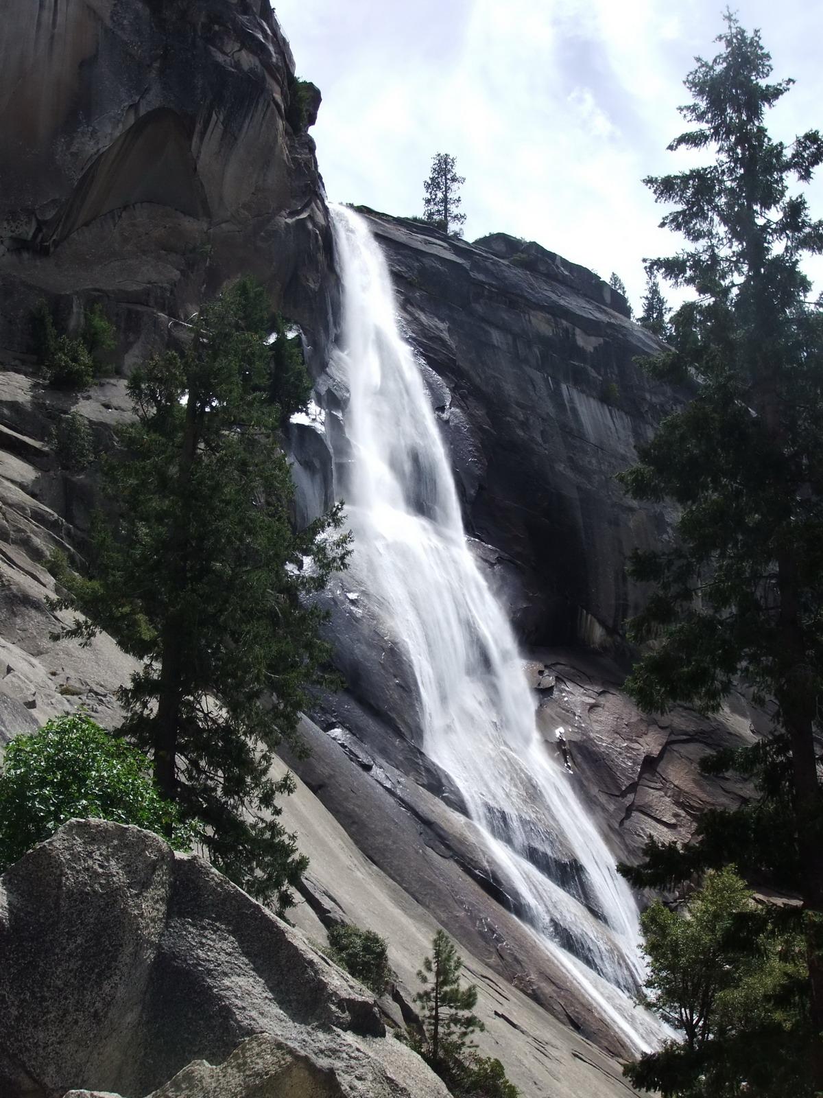 США, Виды Yosemite, водопад Nevada Fall