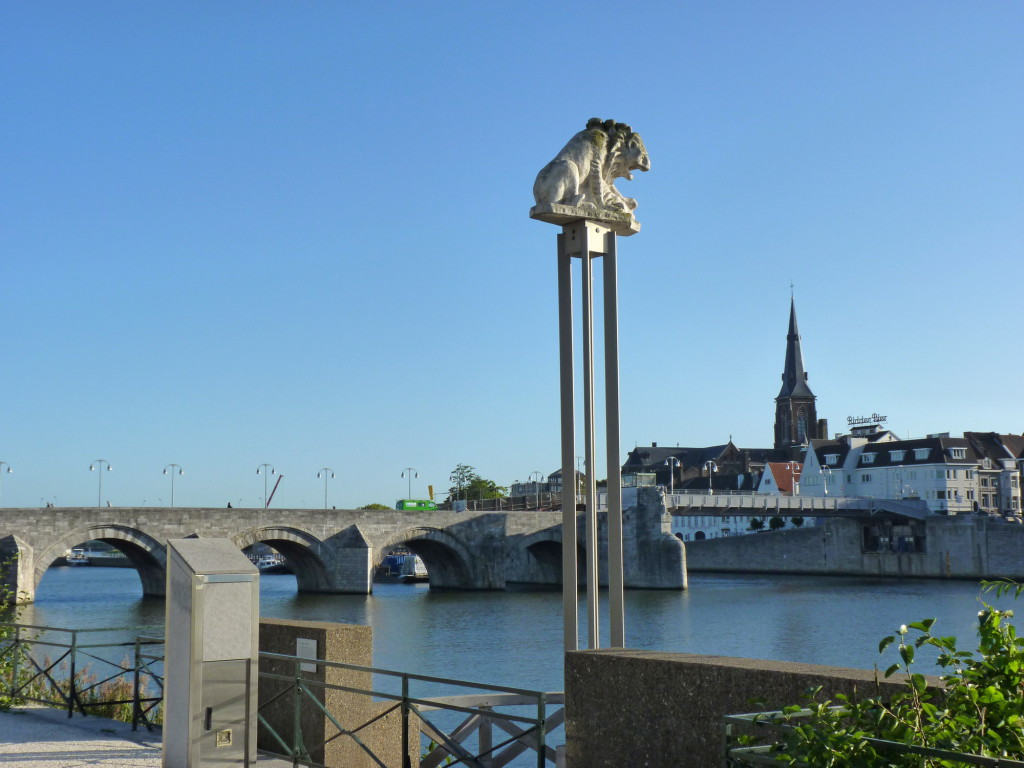 Маастрихт. Мост святого Сервасия