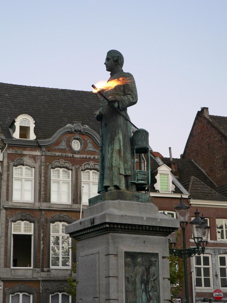 Маастрихт, памятник монарху